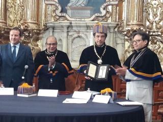 Entrega_de_la_Clavis_Palafoxiana_Collar_de_Mando_y_nombramiento_de_Académico_Correspondiente